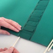 Conveyor belt rods insertion